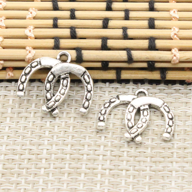 10pcs Charms double lucky horseshoe horse 17*20mm Tibetan Silver Plated Pendants Antique Jewelry Making DIY Handmade Craft