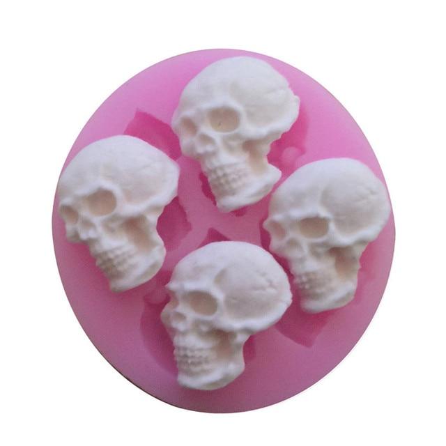 Halloween Skull Forma Della Torta Del Silicone Della Muffa DIY Bakeware Stampo  per Gelatina Al Cioccolato f0c03175d989
