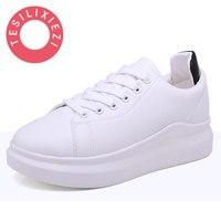 En Cuir souple à lacets Casual Chaussures Étudiants Respirant Blanc Chaussures Printemps Été Tendance de Marche Chaussures Petit Blanc Chaussures