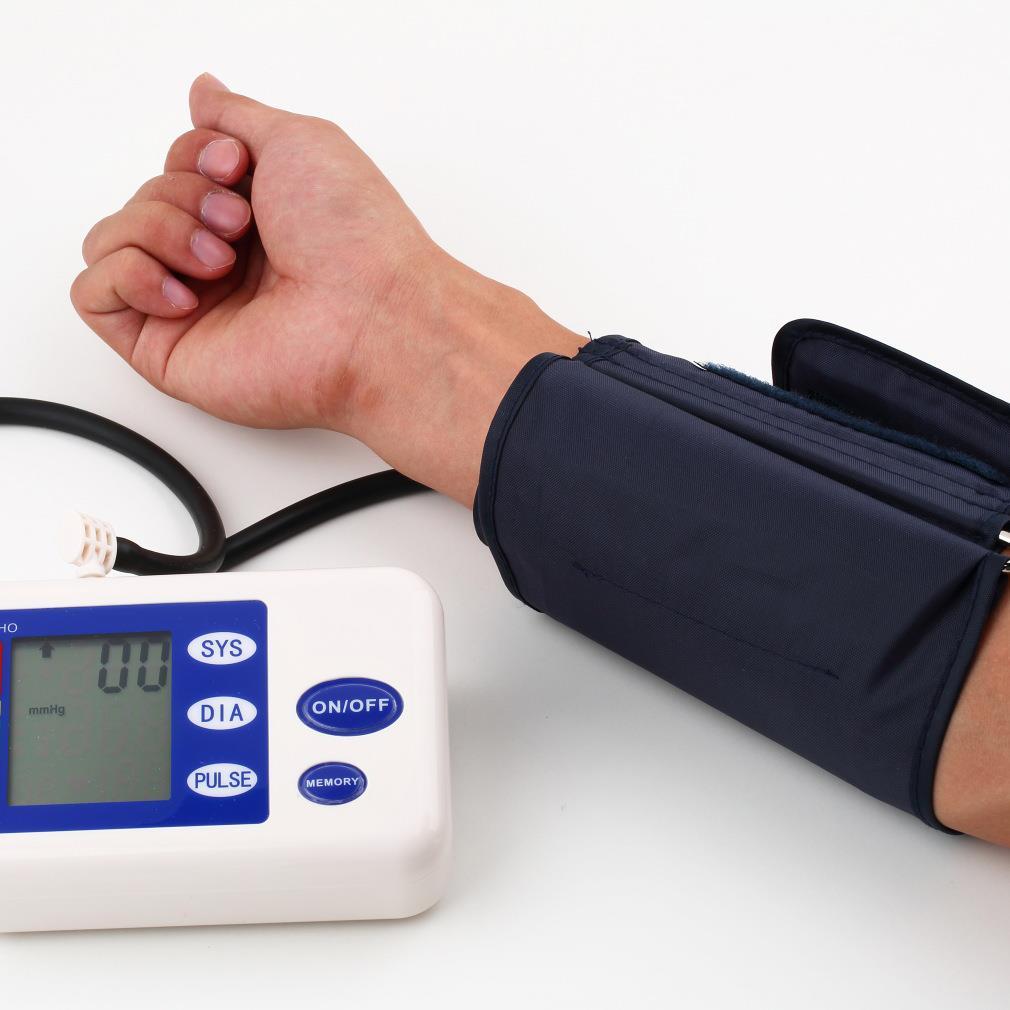 все цены на 2018 Hot Digital Automatic Upper Arm Blood Pressure Monitor With Adaptor Health Monitors Sphygmomanometer Meter Tonometer онлайн