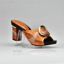 Últimas naranja Color italiano señora Sexy tacones altos bombas decorado  con piedras africanas del diseño Sandalias Zapatos para. d67d4af1d8a0