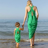 Family Look Matching Clothing Outfits Mother Daughter Dresses Fashion Sleeveless Green Seaside Beach Mother And Daughter