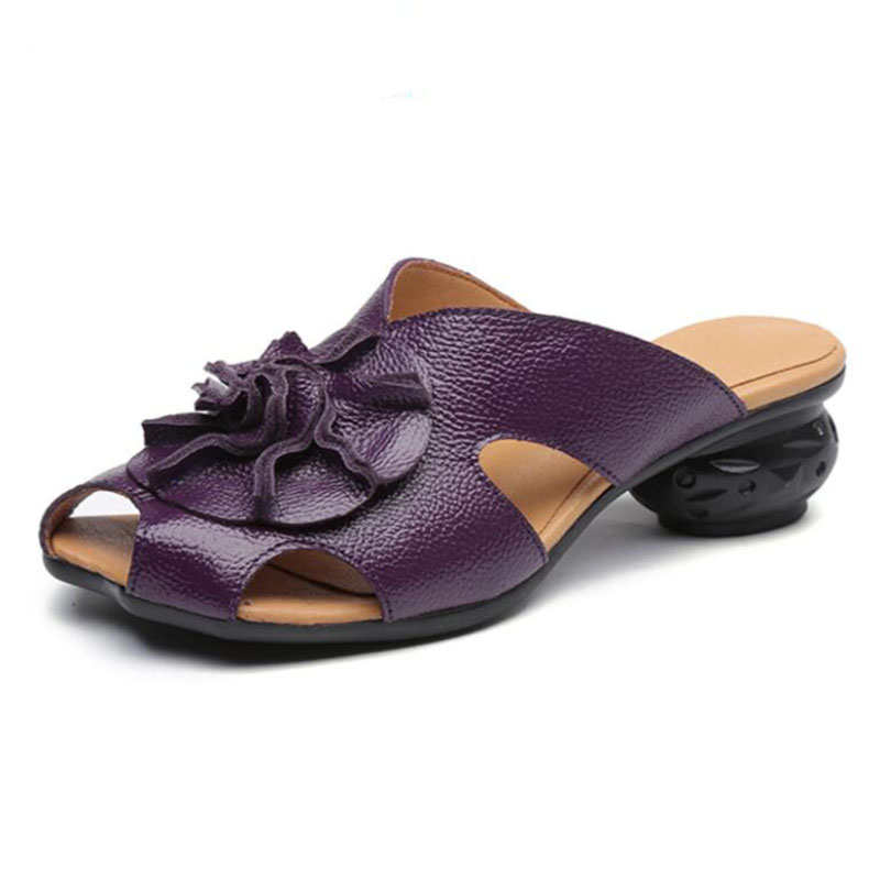 In 2017, the fashionable new national wind and womens cool slippers, the first layer of cow leather and the headless hand-madeIn 2017, the fashionable new national wind and womens cool slippers, the first layer of cow leather and the headless hand-made