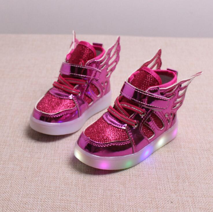 2017 new children&#8217;s shoes <font><b>led</b></font> lights <font><b>wings</b></font> sports students shoes boys and girls fashion cute flash casual shoes size 21-30