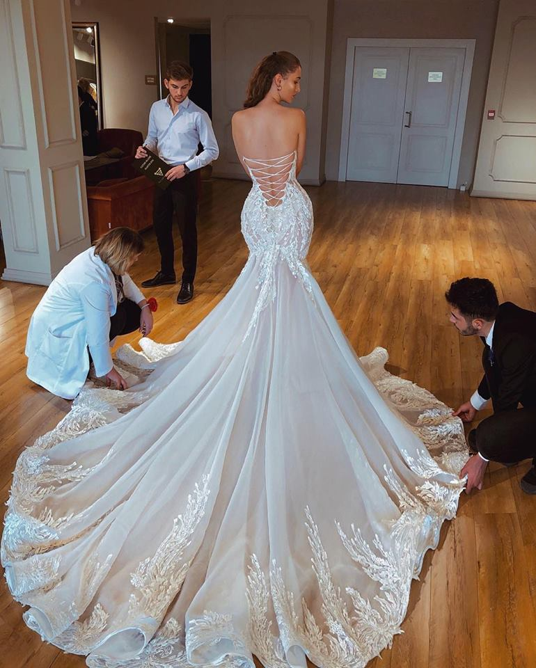Image 2 - 2019 New Sexy Mermaid Strapless Wedding Dress Backless Illusion Corset Lace Up Bridal Gown With Chapel Train Vestido de noivaWedding Dresses   -