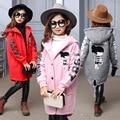 Carácter teenage niña abrigos de invierno los niños ropa de otoño 2017 ropa larga con capucha para niños chaquetas para niñas rojo gris rosa