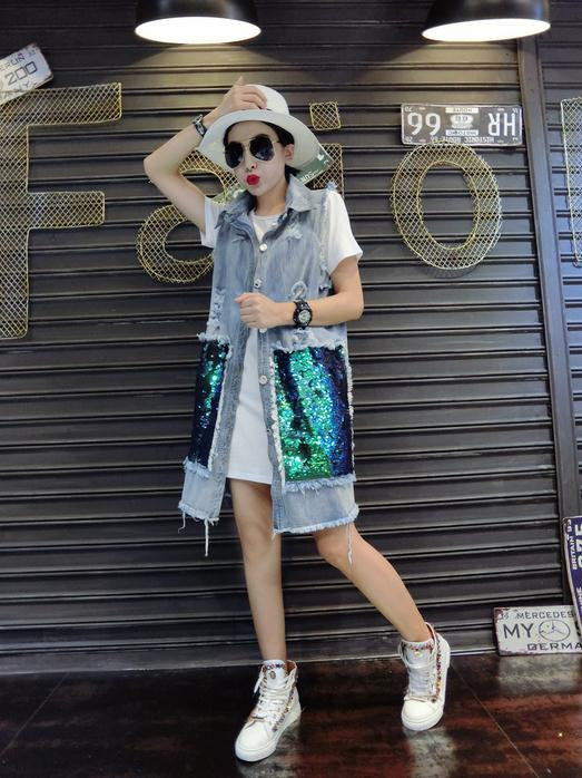 2017 new spring fashion sequins hole to do the old denim vest jacket and long sections
