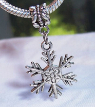 100pcs Fashion Jewelry Wholesale Antique Silver Snowflake Christmas Charm Pendant Suit Necklace&Bracelet Fitting  shipping B885