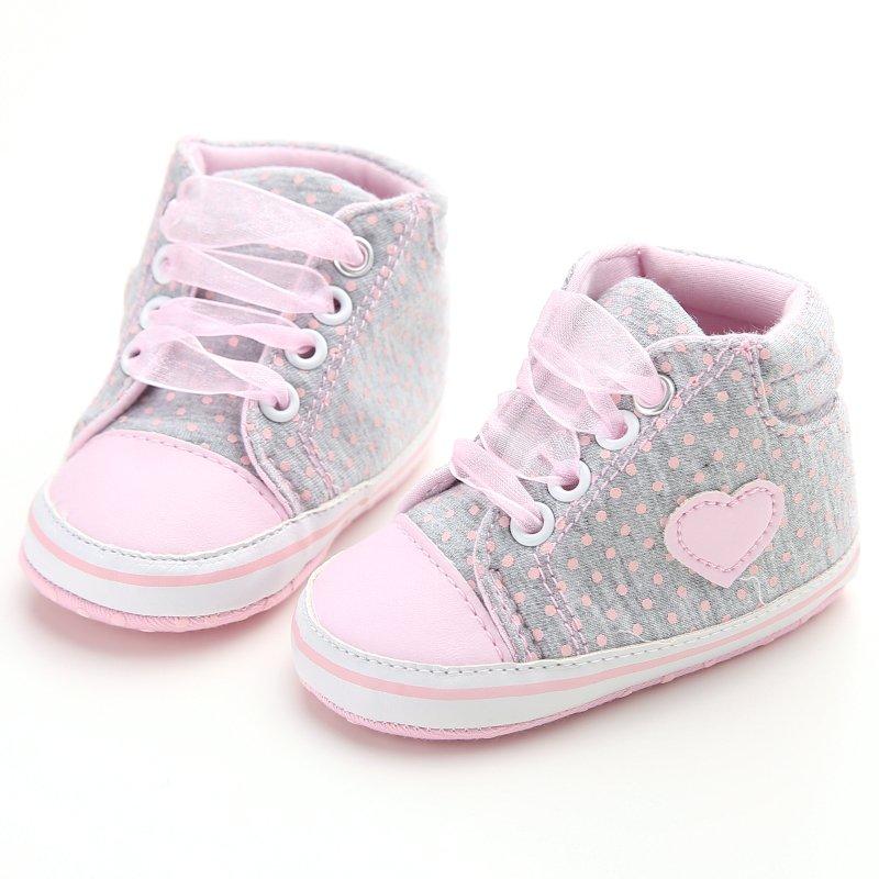 Осенняя обувь для новорожденных девочек с узором в горошек и сердечком; Кроссовки на шнуровке для начинающих ходить; Классическая Повседне...