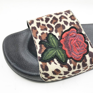 Image 2 - חדש 2019 נעליים יומיומיות נשים סנדלי Sandalias Mujer קיץ סגנון אופנה כפכפים באיכות דירות מוצק אישה נעלי גודל 4