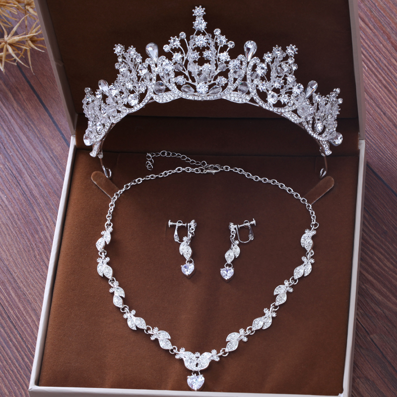 2018 Rhinestone Women Hair Jewelry Sets Necklace Earrings White Color Crowns and Tiaras Headpieces Bridal Accessories For Bride a suit of graceful rhinestone floral necklace and earrings for women