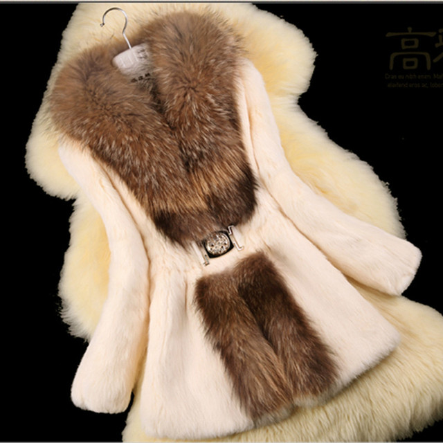 2016 Lady Fashion Natural Rabbit Fur Coat Jacket Raccoon Fur Collar Winter Women Fur Trench Outerwear Coats 3XL 4XL VK1477