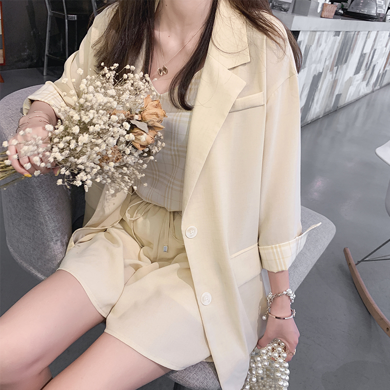 Mishow Summer New Solid Three Pieces Outfits Suit Sets Casual Slim Turn-Down Collar Blazer Shorts Sold Separately MX19B6120