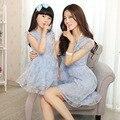 Família Roupas Combinando Alta Qualidade Bonita do laço de Manga Curta Vestido Azul Claro Para A Mãe Eo Bebê Meninas Venda Quente