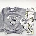 2017 Новая Мода детская одежда мальчик одежды наборы С Длинным рукавом динозавра T-shirt + брюки 2 шт. Новорожденных комплект одежды младенца