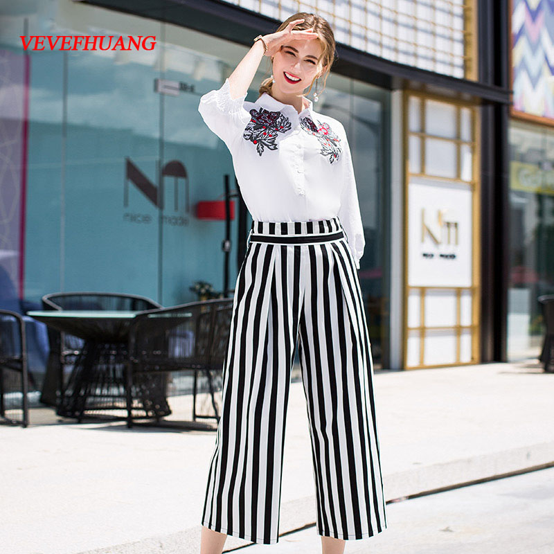 VEVEFHUANG Early Autumn Women's Pants Suit Cotton Plant Embroidery White Shirt + Classic Striped Printing 3/4 Pants 2 Piece Set