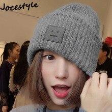 9f8122a3012 Livraison livraison directe Femmes   Hommes de Chapeau bonnet tricoté pour  l hiver Poker-face Robot Étiquette Balle Laine Manche.