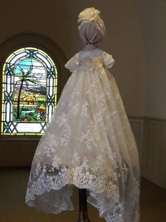 купить Real Picture Luxury High Quality Baby Girls Christening Gown with Bonnet O Neck Long Baptism Dress Ivory White Custom Made Size по цене 6337.37 рублей