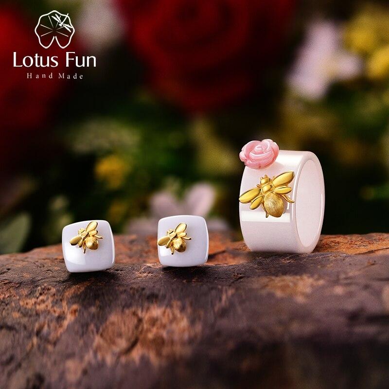 Lotus สนุกจริง 925 เงินสเตอร์ลิงธรรมชาติ Handmade เครื่องประดับเซรามิค Bee น่ารัก Kiss จาก Rose ชุดเครื่องประดับสำหรับผู้หญิง Bijoux-ใน ชุดอัญมณี จาก อัญมณีและเครื่องประดับ บน AliExpress - 11.11_สิบเอ็ด สิบเอ็ดวันคนโสด 1