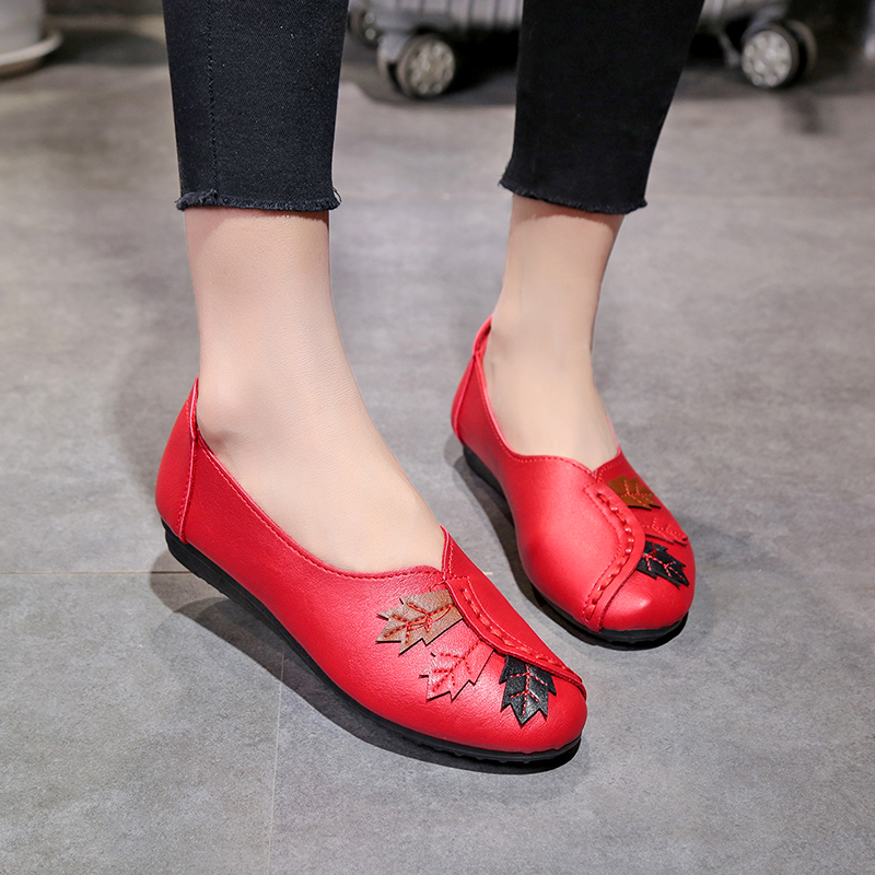 где купить Soft Women Shoes Flats 2018 New Colored Leaves Slip on Loafers Genuine Leather Ballet Shoes Fashion Casual Ladies Shoes Footwear по лучшей цене