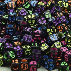 100 قطعة مربع الأبجدية/رسالة الخرز لعبة للأطفال صنع المجوهرات الأسود حبة الملونة إلكتروني سوار ذاتي الصنع فتاة الهدايا الجملة