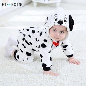 Image 2 - Mono de Cosplay de perro manchado de dálmatas para bebé y niño, disfraz de franela en blanco y negro cálido, mono de pijama para niño