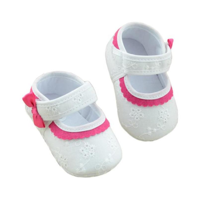 White Baby Little Embroidered Flower Soft Bottom Hook&Loop Baby Girl Shoes Newborn Toddler First Walkers