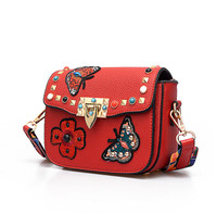 Rivet Butterfly Flower Embroidery Fashion Women Messenger Bags Casual Shoulder Bags Elegant Ladies Purse Bolsa Femininas