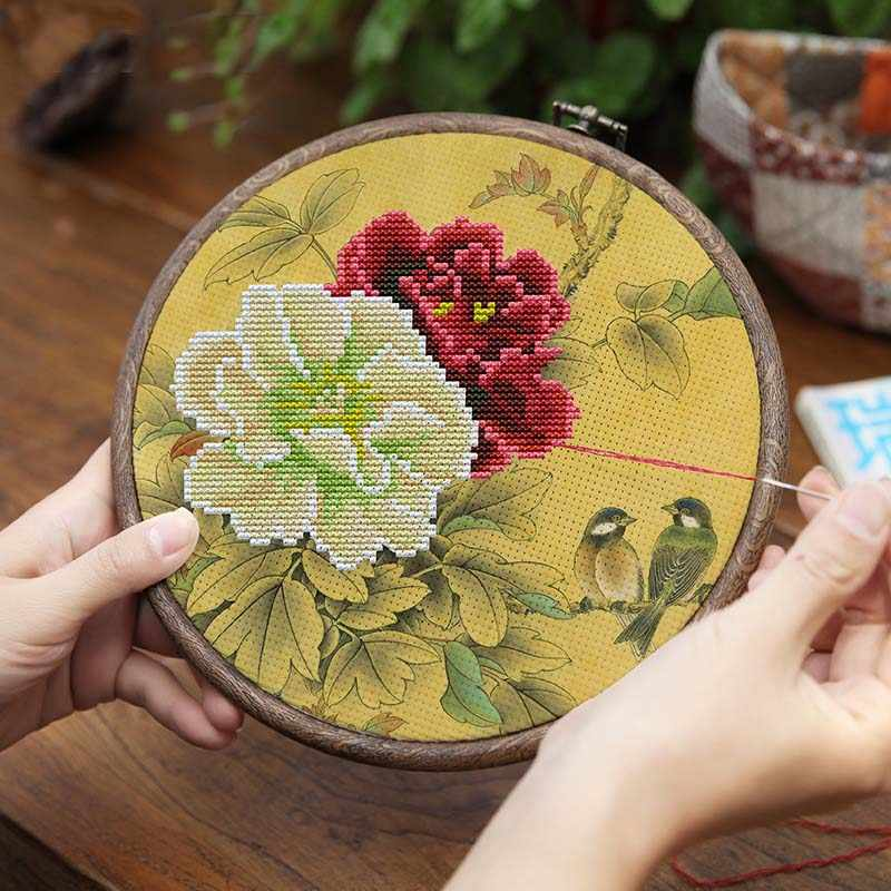 Europe Vintage Embroidery Cross Stitch Kit Three-dimensional fabric Pre-Printed Needlework Flower Pattern with Embroidery Hoop