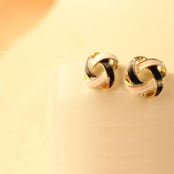 Women Vintage Hollow Earrings