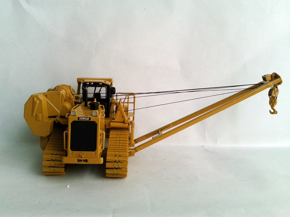 N 55272 1 50 Cat 587T Pipelayer with Metal Tracks toy