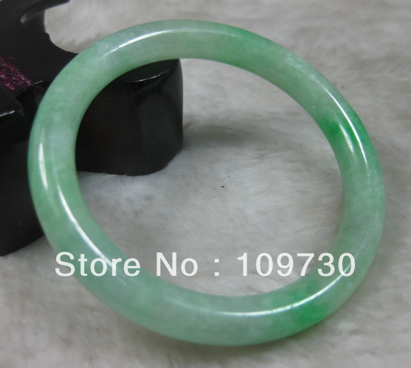 NATURE BEAUTIFUL BRIGHT GREEN JADEITE BRACELET BANGLE 57MM