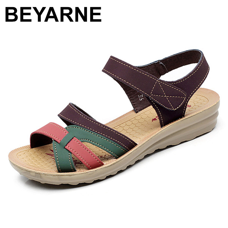 BEYARNE Mother sandals soft leather large size flat sandals summer casual comfortable non - slip in the elderly women 's shoes
