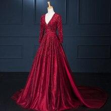 A-line V-Ausschnitt Langarm Open Back Red Farbe Satin Stickerei applique Zurück Durchsichtig Lange Abendkleid mit Korsett