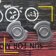 فتاحة زجاجات TiTo EDC من سبائك التيتانيوم متعددة الأغراض قابلة للتدوير أدوات لعب نيزك سلسلة المفاتيح في الهواء الطلق أدوات من التيتانيوم الدوار