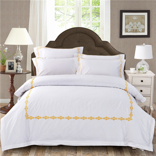 Superieur Two Designs 60S Cotton Deluxe White Embroidery Bedding Set Duvet Cover Bed  Linen Bed Sheet Pillowcase