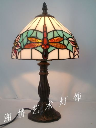Direct manufacturers8 inch simple Dragonfly small lamp Tiffany glass lamps bedroom bedside lighting alloy base