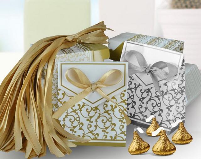 8fa4a78d4 Favor de la boda dulce del caramelo del regalo de la torta del papel cajas  Bolsas. Sitúa el cursor encima para ...
