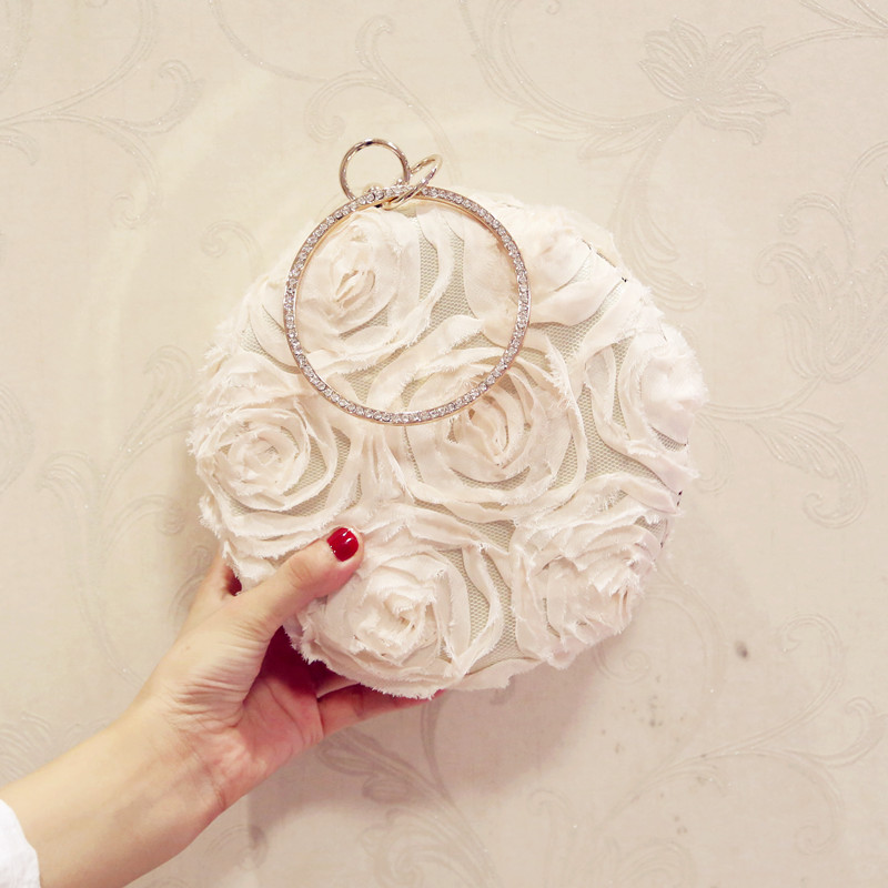 Korean flower Dinner Bag hand bag 2017 new fashion all-match Chain Bag Mini diamond bride wedding package perfect the spot exquisite dinner pearl hand bag all match fashion models free shipping
