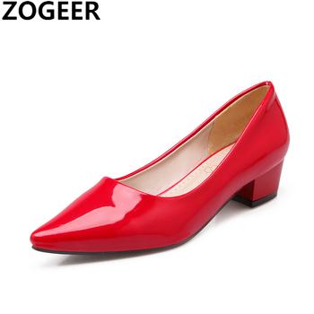 Moda niskie obcasy eleganckie cukierki pompy kobiety dorywczo żółte niebieskie czerwone obcasy biurowe buty ślubne kobieta Pointed Toe pumpy damskie buty tanie i dobre opinie ZOGEER podstawowe Kwadratowy obcas CN (pochodzenie) Z niewielkim szpicem Niska (1 cm-3 cm) Dobrze pasuje do rozmiaru wybierz swój normalny rozmiar