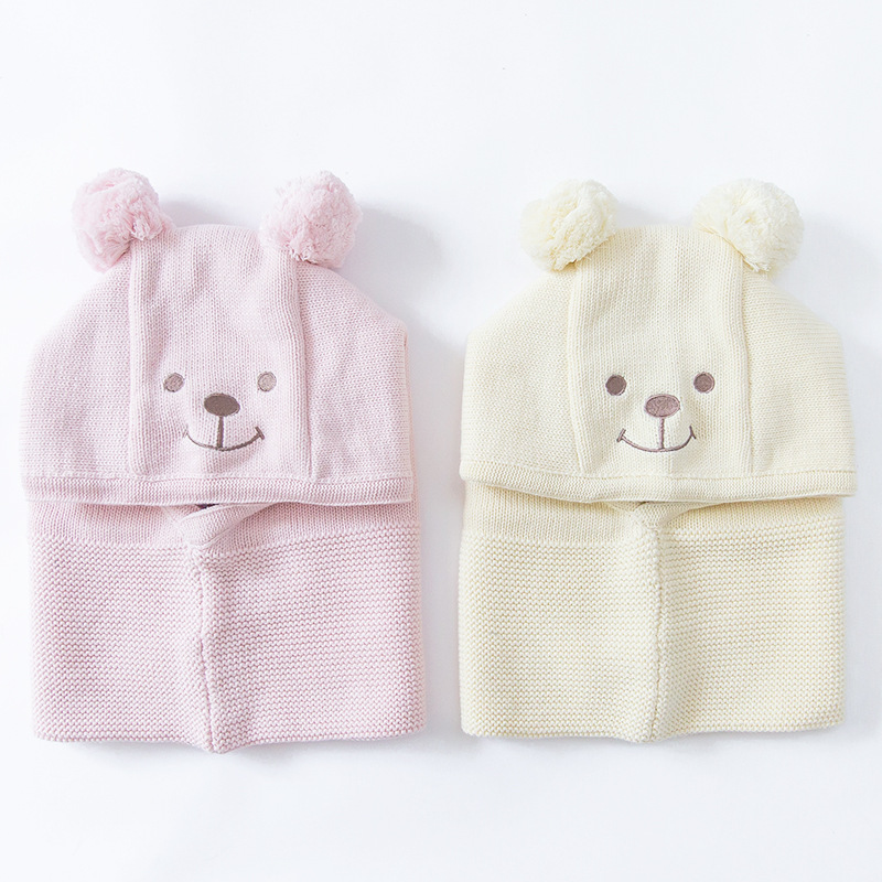 1bda4bca0c81 2017 Hiver bébé au chaud chapeaux Cache-oreilles Écharpe Crâne Caps bébé  filles garçons Coton Doux Bonnet Tricot Crochet Casquettes pour 0-6 ans bébé