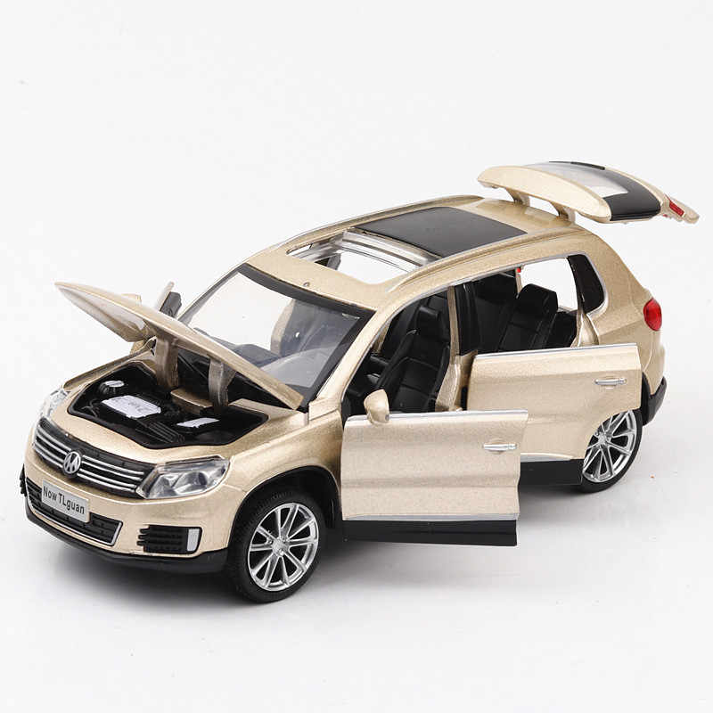 1:32 German VW Tiguan Alloy DiaCast Car Model Golden Metal Pull Back Auto Simulation Car Model With Lights Toy Gift For Children