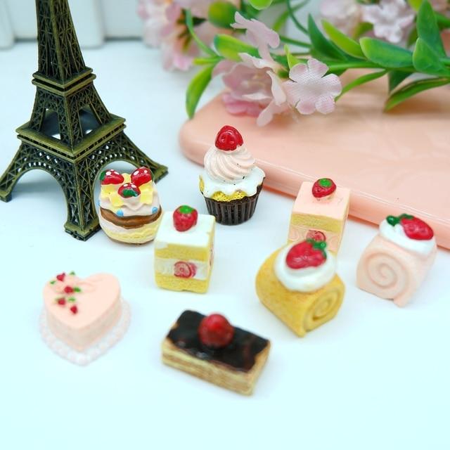 Lindo pastel de fresa Bosque Negro, cabujones de resina para la decoración del teléfono, dulces japoneses, miniaturas de estatuillas DIY