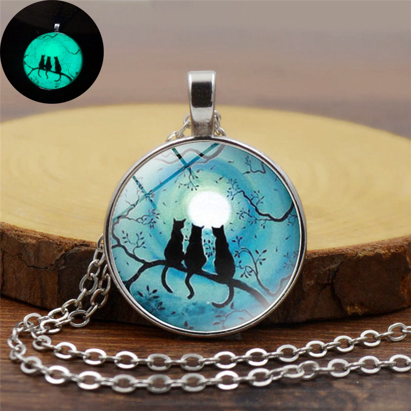 Galaxy Blue Moon Glowing Cat Necklace Art Photo Glass Dome Cabochon Pendant Silver Chain Necklace Glow In The Dark Jewelry