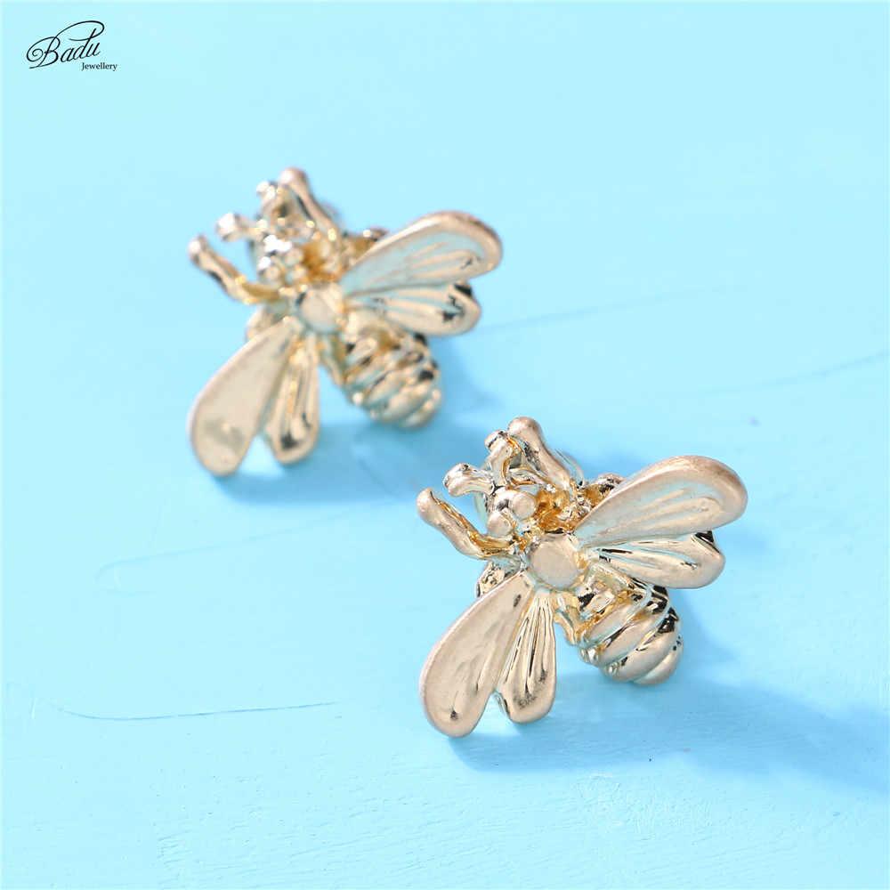 Badu Gold Schmetterling Stud Ohrring Nette Frauen Studs Charme Schmuck Minimalistische Mode Brincos Pendientes Großhandel