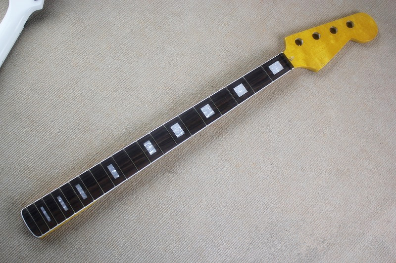 The bass DIY semi-finished products P bass Maple retro yellow neck Necklace rose wooden fingerboard
