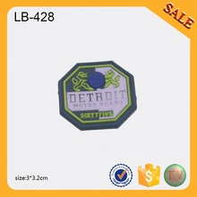 LB428 Cheap soft pvc injection mould clothing rubber label for garment