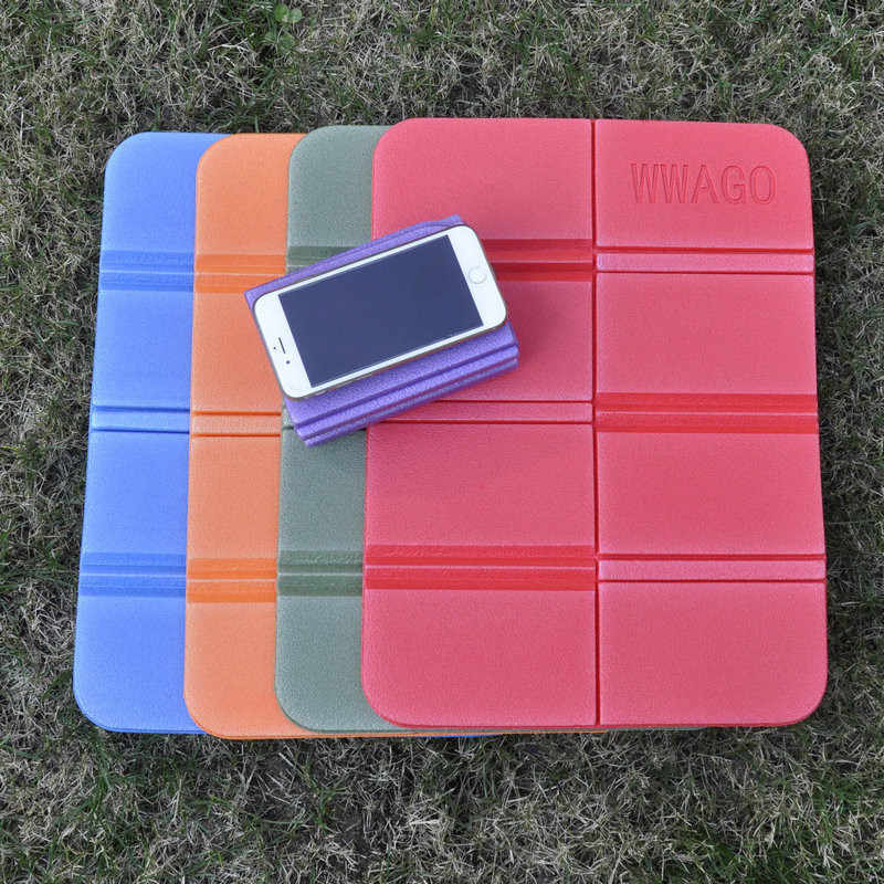 Easy Carrying 1PCS Moisture-Proof Waterproof Prevent Dirty Camping Mat Folding Portable Small Cushion Picnic Mat Beach Pad