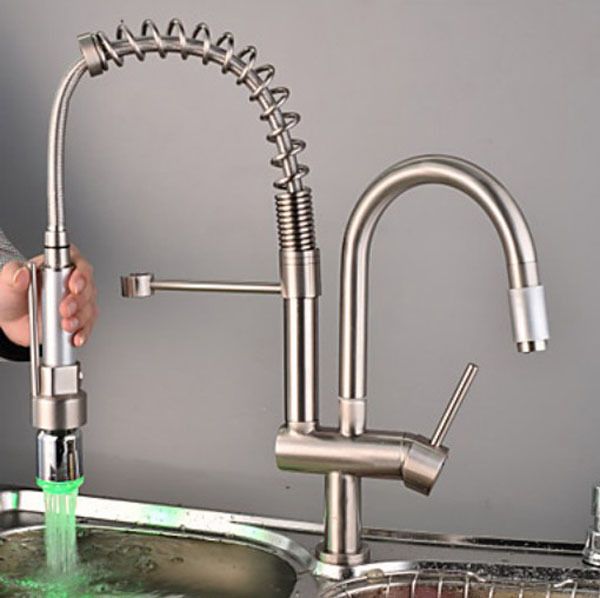 Nickel gebürstet LED Küchenarmatur herausziehen Spray w/Zwei Tüllen ...