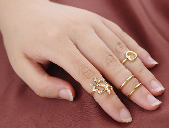 4 pcs lot New Arrive Fashion Women Jewelry Mid Finger Rings Set